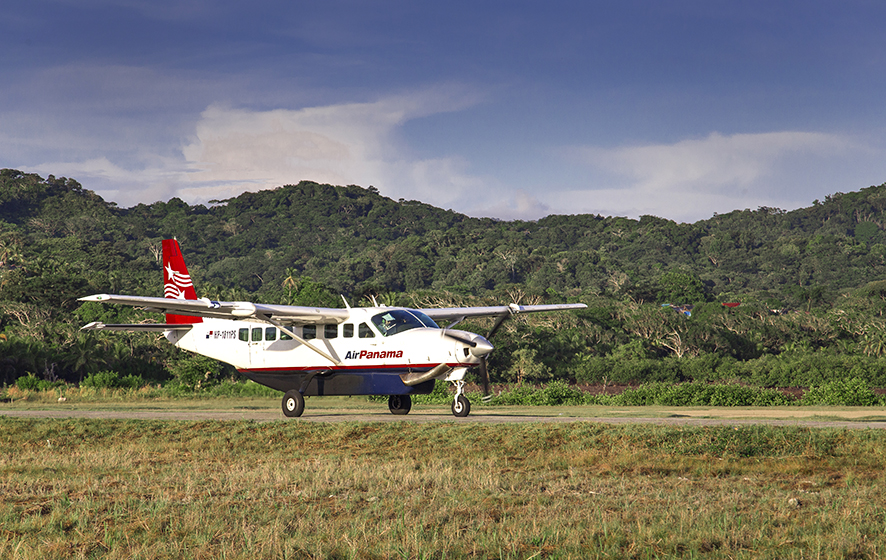 propeller plane, plane, propeller machine, panama