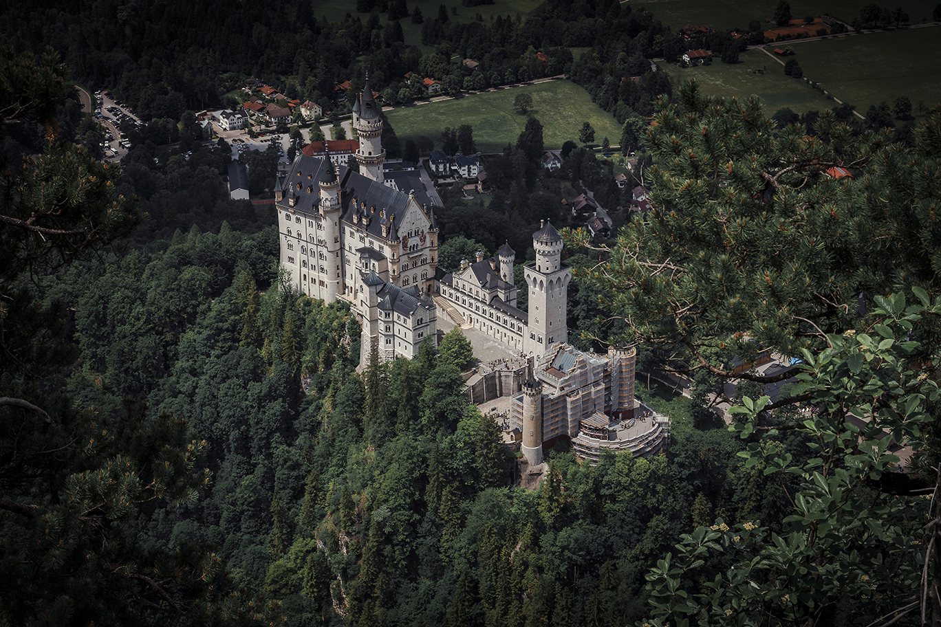 neuschwanstein castle, hiking to neuschwanstein castle